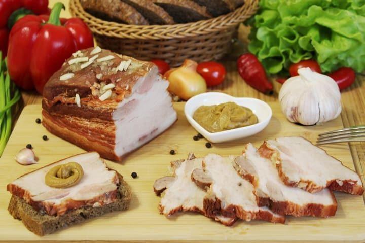 Свиная грудинка в луковой шелухе в домашних условиях