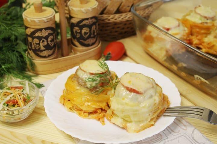 Гнезда из макарон с фаршем и сыром в духовке