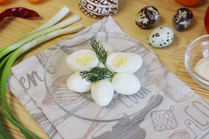 Как и сколько по времени варить перепелиные яйца вкрутую до готовности