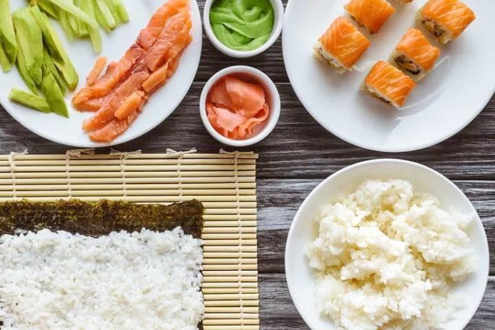 Как варить рис для суши и роллов
