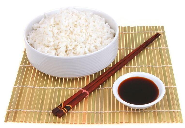 Невероятно вкусный рис для суши с тайским рыбным соусом