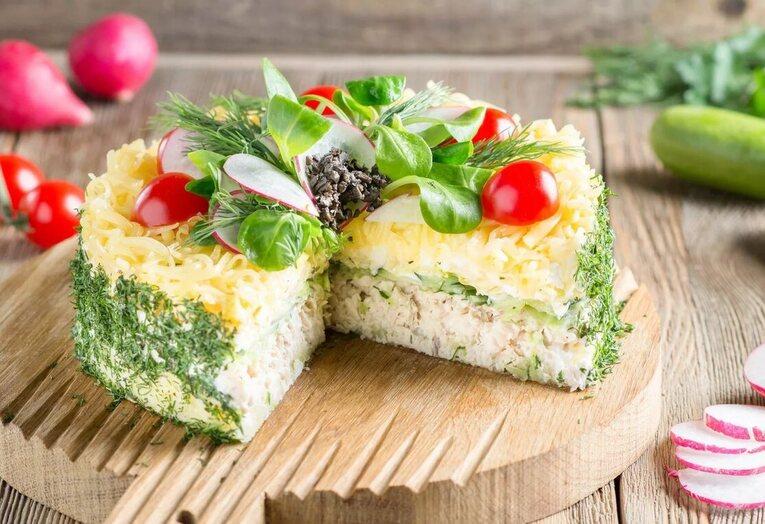 Нежный салат «Рыбный торт»