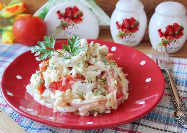 Яркий салат «Морское чудо»