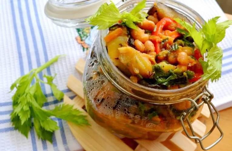 Салат с фасолью и баклажанами на зиму