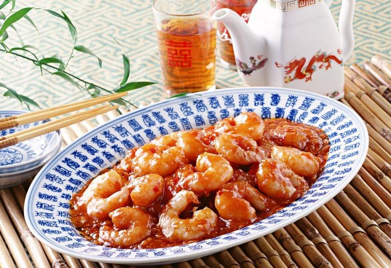 Жаренные креветки в томатной пасте